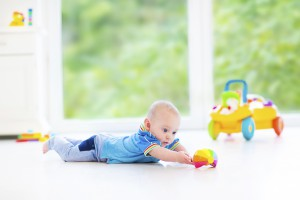 3 Steps to Make Tummy Time Fun: Use these 3 simple tips to take tummy time from a frustrating experience to a fun bonding experience with your little one.