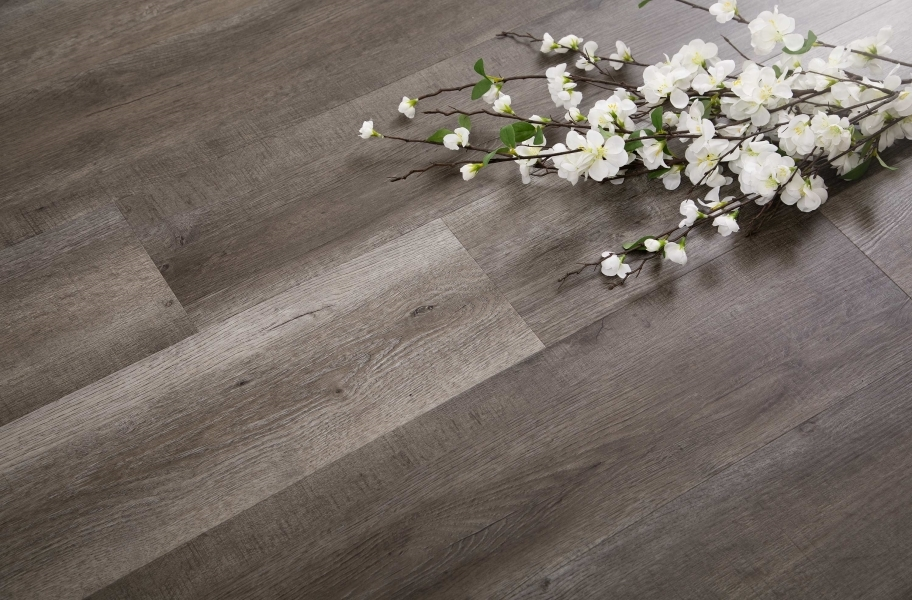 wood-look waterproof vinyl flooring