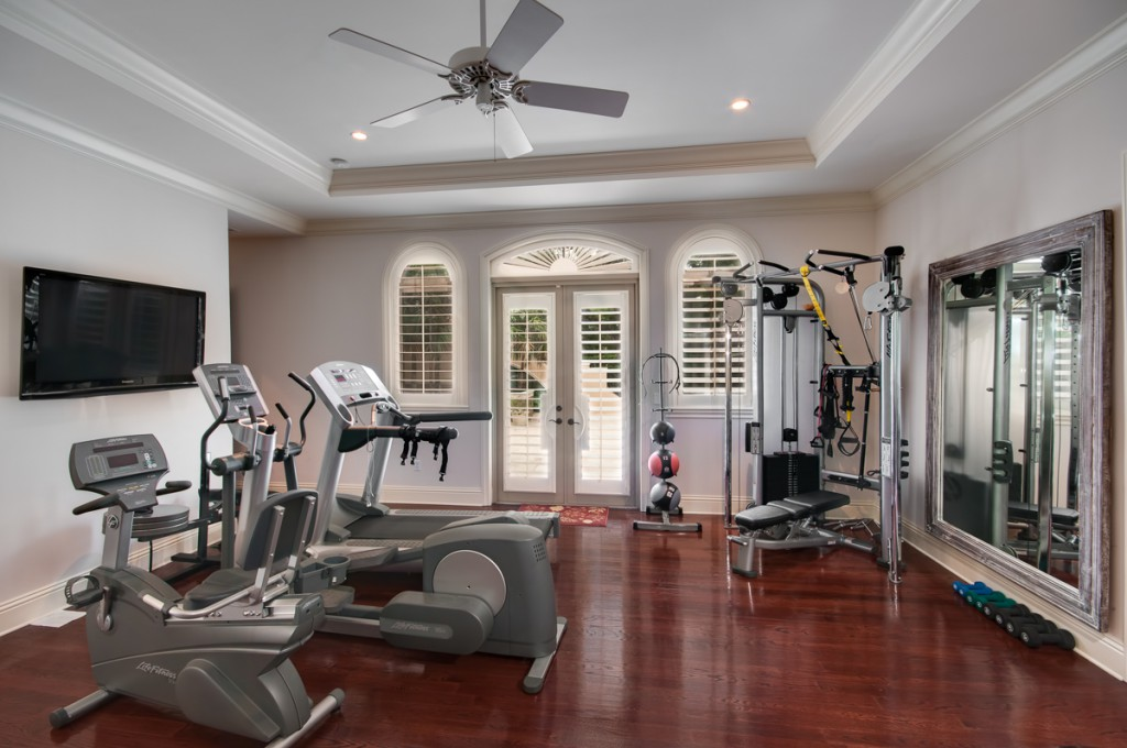 15 home gyms worth sweating in - flooringinc blog