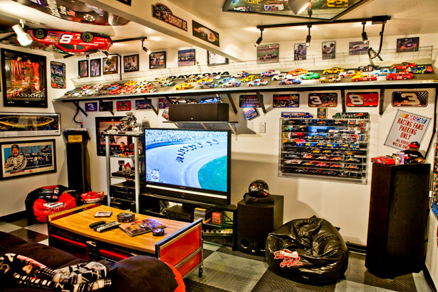20+ Garage Theme Ideas for Your Perfect Space: Discover the perfect garage theme to turn your garage into the most happening room in the house!