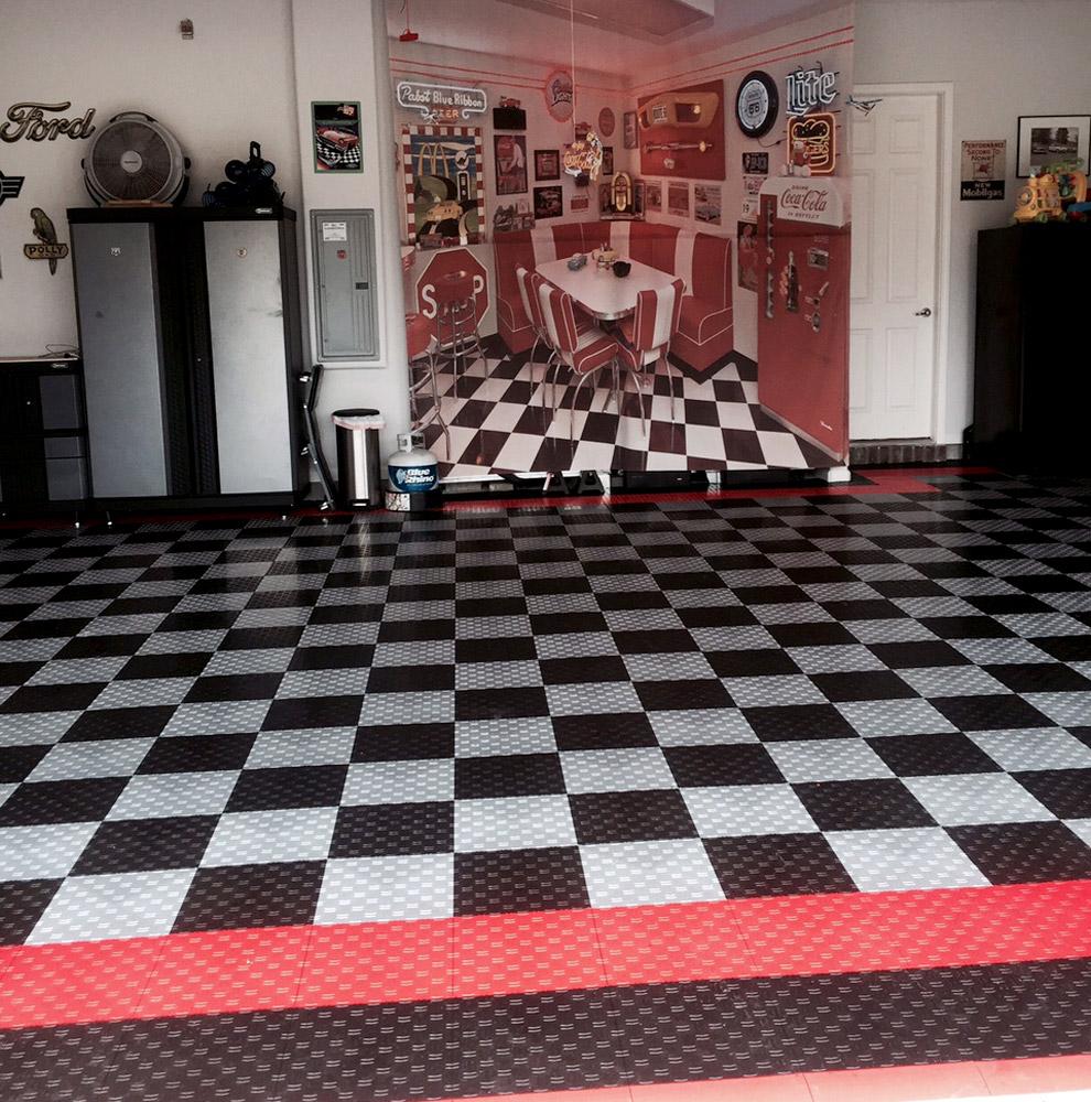 Vintage Themed Garage: Diamond Grid-Loc Tiles