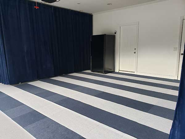 Sports themed garage- Ribbed carpet