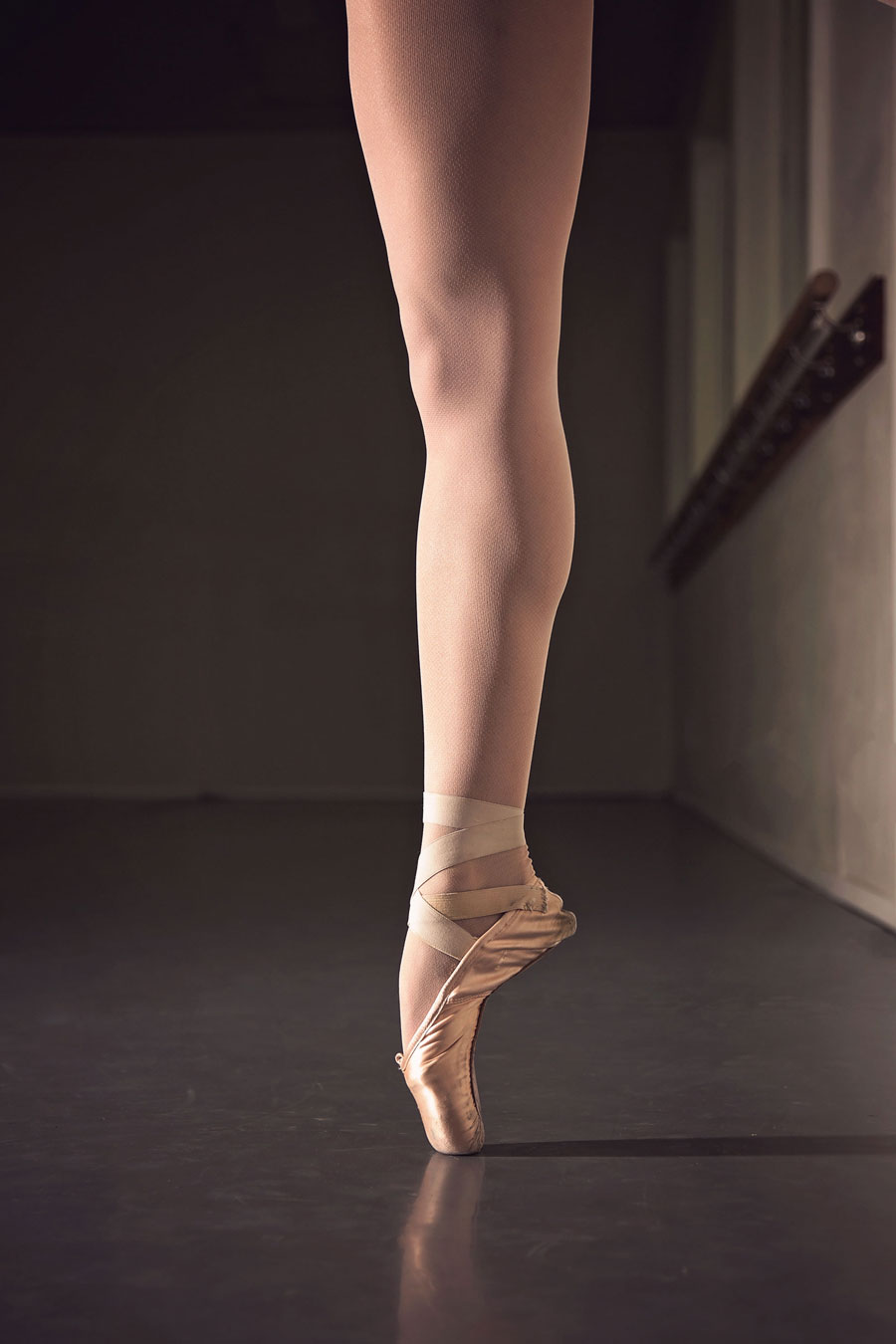 How to Choose Marley Dance Flooring: Find the best marley floors for ballet, tap, jazz, contemporary and more.