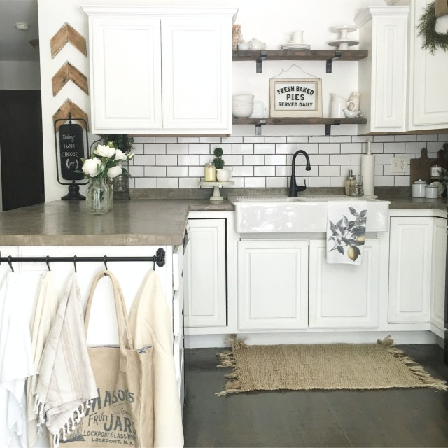 Farmhouse Kitchen Cabinets: Kitchen Inspiration: 10 Farmhouse Kitchens