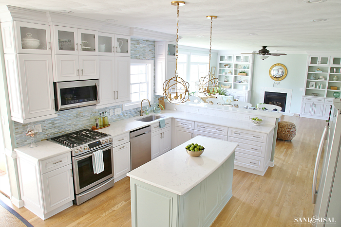 coastal farmhouse kitchens