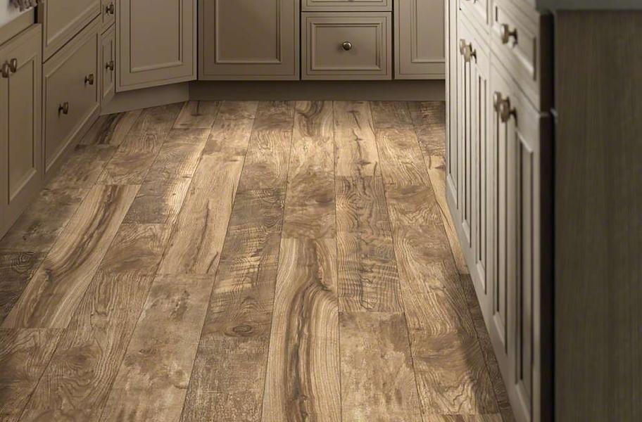 2021 Bathroom Flooring Trends: 12mm Woodhaven WaterResist Laminate