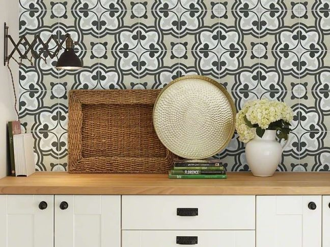 patterned wall tile over kitchen counters