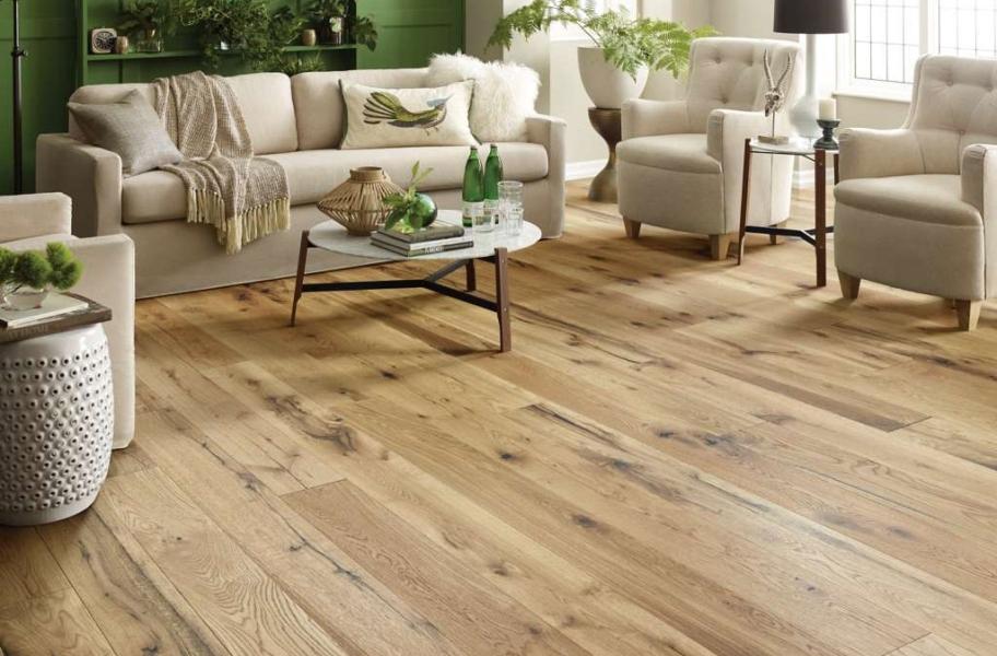 2021 Wood Flooring Trends: Blonde Wood Flooring in a living room setting.