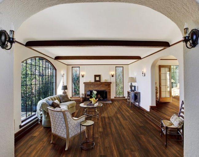FlooringInc 2020 wood flooring trends: wirebrushed engineered hardwood in the living room
