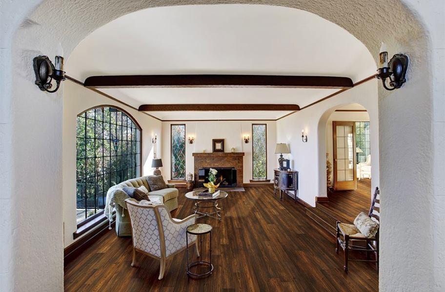 Xu hướng sàn gỗInc 2020: gỗ cứng được chải kỹ trong phòng khách