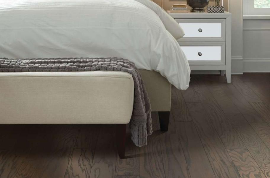 The Basics of Engineered Hardwood: Shaw Albright Oak Engineered Wood