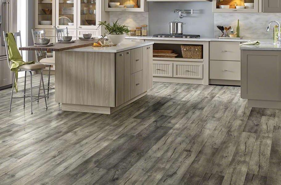 High-variation laminate flooring: Shaw Grand Vista WaterResist Laminate