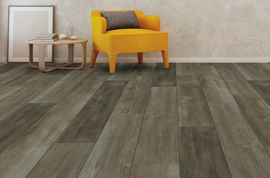 Distressed look vinyl plank flooring