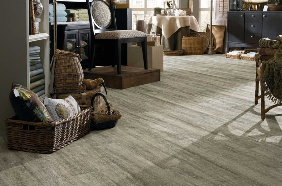 FlooringInc 2020 wood flooring trends: diagonal flooring in a living room