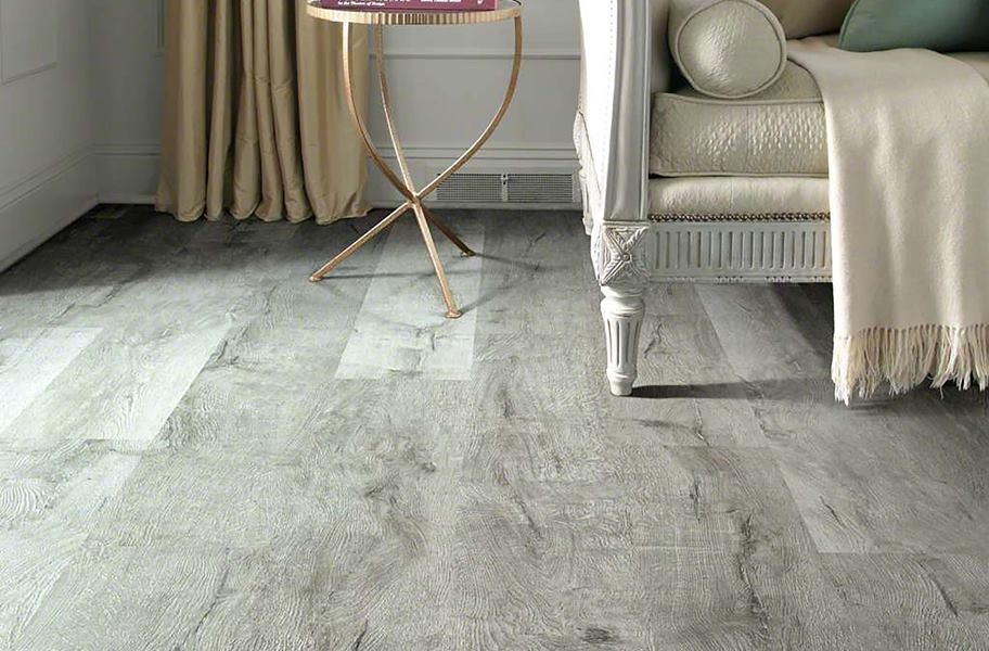 FlooringInc 2020 flooring trends: wirebrushed vinyl flooring in a living room setting