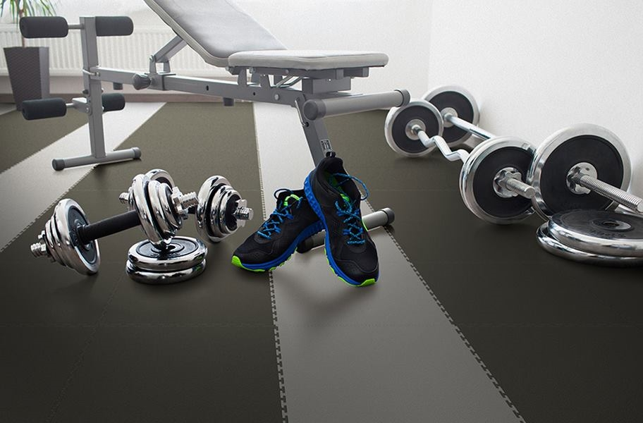 gym flex tiles in a commercial fitness center