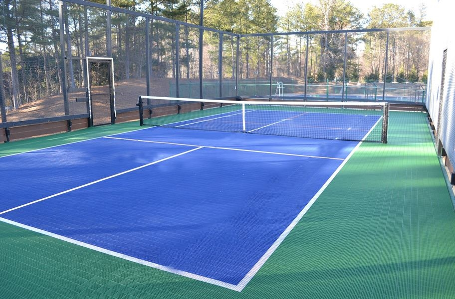 Court flooring guide: outdoor pickleball court made from outdoor sport floor tiles