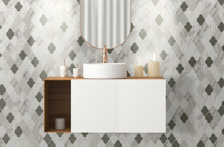 Backsplash tile shapes: Arabesque mosaic tile