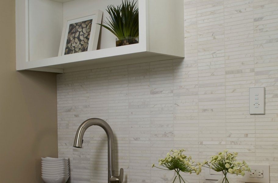 Marble-look kitchen backsplash tile