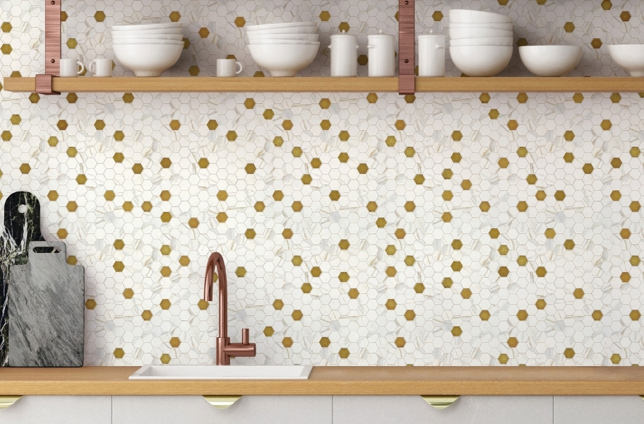 Tile backsplash trends: Light-colored mosaic tile