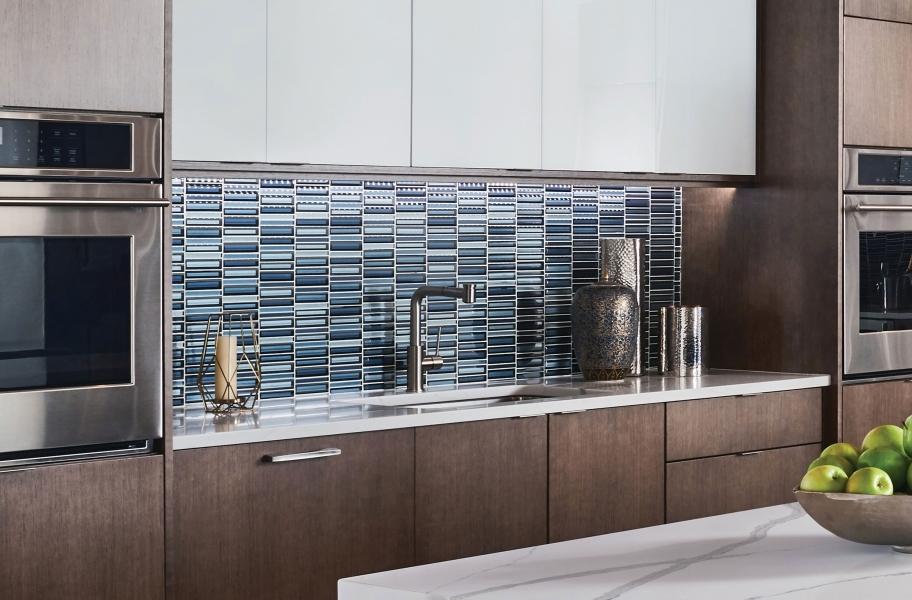 Backsplash buying guide: blue glass mosaic tiles