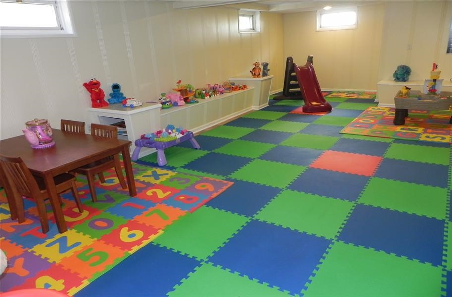 Homeschool Room Guide: interlocking foam tiles