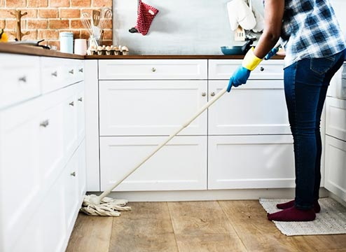 How to Clean Engineered Wood: Use a Damp Mop