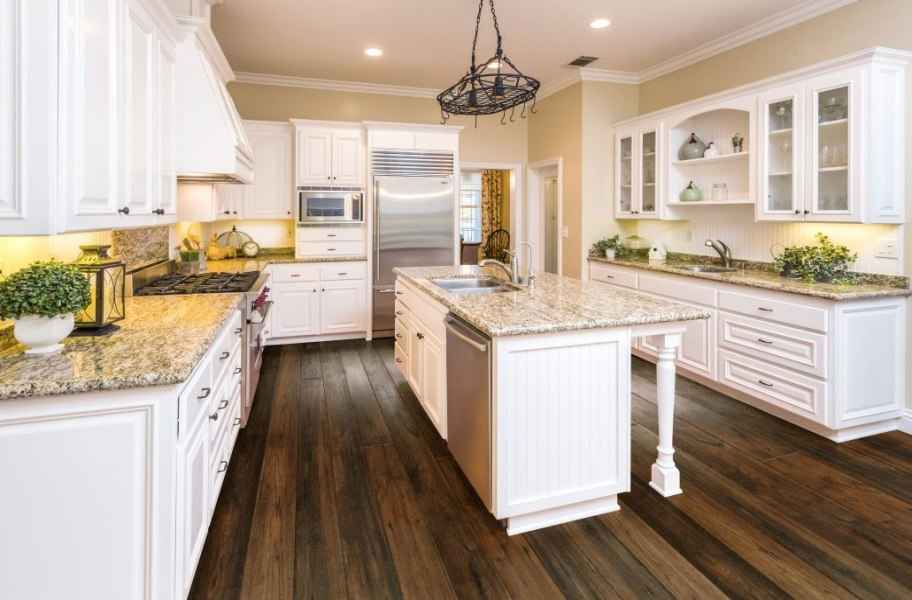 Best Cleaner for Engineered Hardwood:Johnson Hardwood Vineyard Hickory Engineered Wood