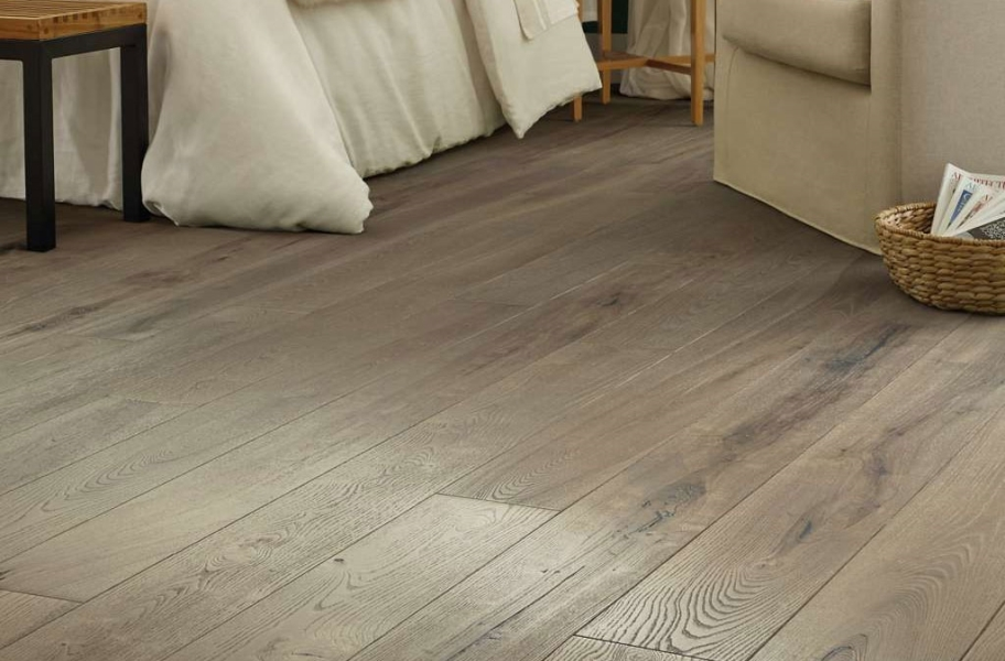 Close up image of Shaw Reflections Ash Engineered Wood