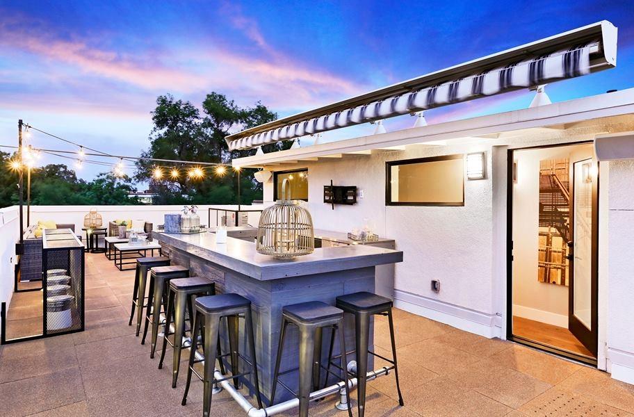 Kitchen Patio Inspiration: Interlocking Deck Top Roof Tiles